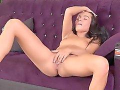 Impeccabili ceche si masturba a Dona Hottie Lexi e orgasmi