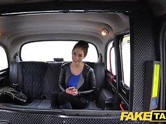 Taxi falsa ruso coño peludo tetas naturales