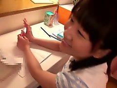 Японской для подростков школьницы полоскать горло некоторые сперму
