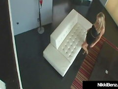 Penthouse Pet Nikki Benz Arado en su coño por Blonde Buck!