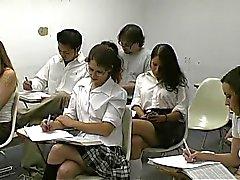 Meisjes afgedroogd door haar leraar 1