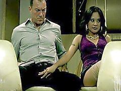 Seksuaalisen söpö Kaylani Lei junassa