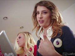 Cheerleader Bailey und Kristen lesbisex