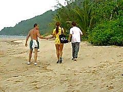 Linda del latina se hace DP en la playa de