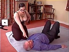 chubby woman facesitting