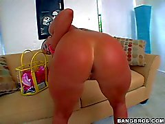 Big butt Flower Tucci poses naked and gives headjob