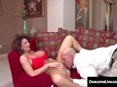 Naughty vaimo Deauxma saa vapaa neuvontaa sukupuoleen Tax Man!