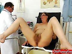 La ginecomastia maduros juguetones en la clínica