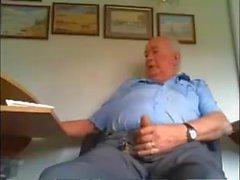 Britischer Vater auf cam schön unbeschnittenen Schwanz Streicheln