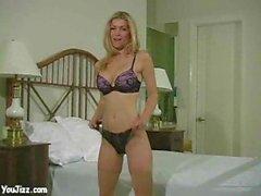 Heather Vandeven montre ses nouvelles culottes