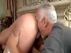 Stud krijgt een massage
