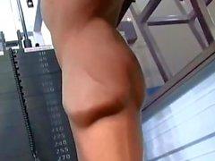 Hunk Training und Aufwirft ( kein Sexual )