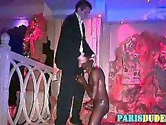 Negra de euros Dude sucções de Dick branco