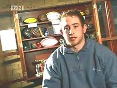 Equipe de rugby em linha reta obtém bêbado .. frisky