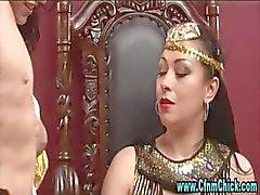 Cfnm Egyptische koningin teef en haar dienstmeisjes