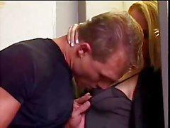 Sexo bissexual no avião - alto da milha