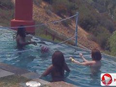 De candice Nicole Chayse Evans de Tatiana Kush partie piscine