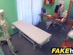 Fake Sairaalan lääkärit paksu dick venyttää kuuma portugali