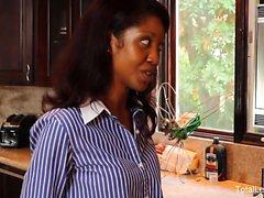Flor de loto de Lain se folla de Aaliyah del amor de un correa-en