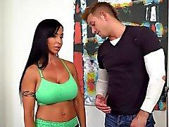 Sexig brunett puma Juveler Jade jävligt