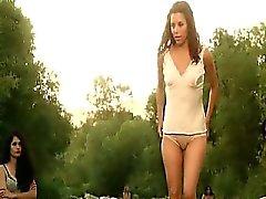 Ева Лонгориа и Кейт дель Кастильо разбирают при ношении