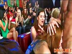 Bitch vingerzetting in club