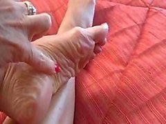 Janet Mason pé provocação