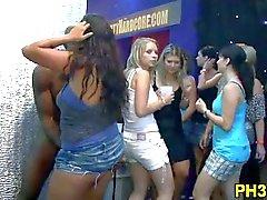 Groepsseks wild feest in nachtclub