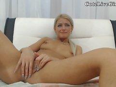 Énormes seins chaud pom-pom girl masturber 01