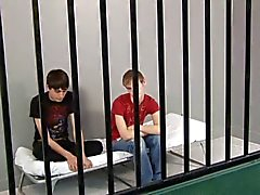 С Заком Эвана в тюрьме Gay