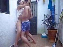 Recién casados indio pareja follando en hosue techo en la lluvia - hornyanu