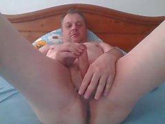 fingering and cumming on cam