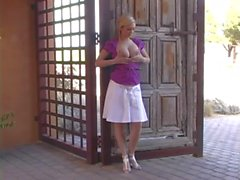 alison_angel_ - _dressing_down_in_public