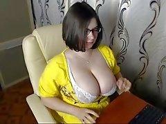 webcam tette grandi tette grandi tette naturali tettone webcam girl
