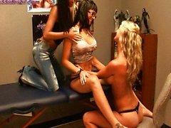 Janessa Brezilya bir Destiny Dixon Lezbiyen 3some