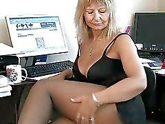 Secretaris Huisvrouw Vingeren haar Rijpe Pussy