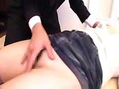 Big boobs gf Cristal Rose tenta sexo anal no sofá