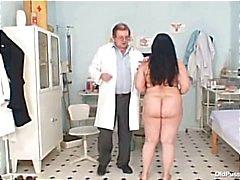 Big tits fett mamma Rosana gyno läkare undersökning