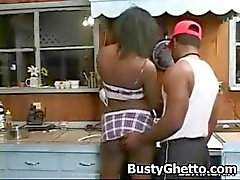 Afro Juicy babe likte In Pussy