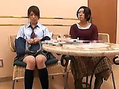 estudiante japonés linda se lava hasta dar una blowjo dulce