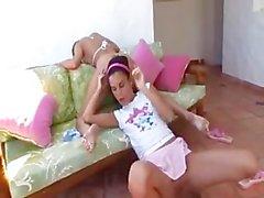 Carli Banks Y Nella Puño en el
