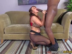 Janet Mason tenta Huge Black Cock do Mandingo