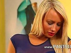 Blondie uskomaton nylon sukkahousut