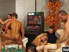 amigos bisexuales saben cómo divertirse