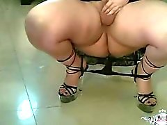Sexy BBW Shemale