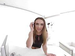 virtualtaboo Kaunis teini Veronica Clark tarvitsee sinun kukkoasi