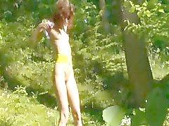 poseren kutje in het bos