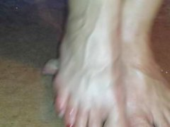 Cruel barefeet cockcrush with red toenails