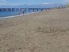 ma femme sur la plage