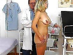 tiros colo do útero médico médicos exame ginecológico